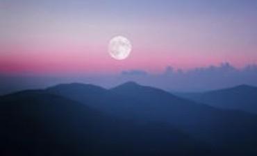 La luna llena de abril