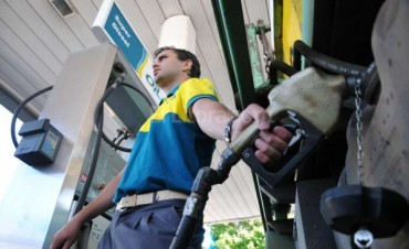 Rige otro aumento de combustible
