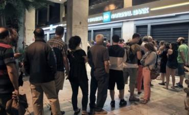 Bancos griegos cerrarán hasta el 6 de julio