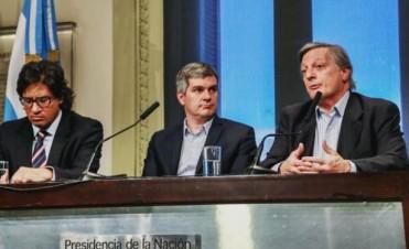 MARCOS PEÑA. El jefe de Gabinete brindó una conferencia de prensa junto al ministro Aranguren.