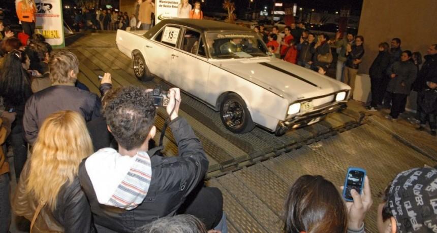 Más de un centenar de autos antiguos en Santa Rosa