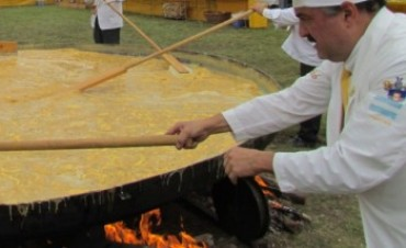 Se viene la Omelette gigante de Pigüe