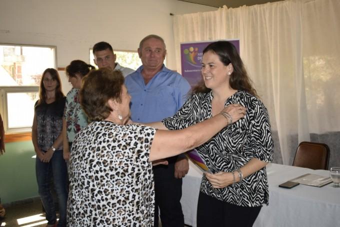 Se entregaron créditos Rucalhué en Alpachiri