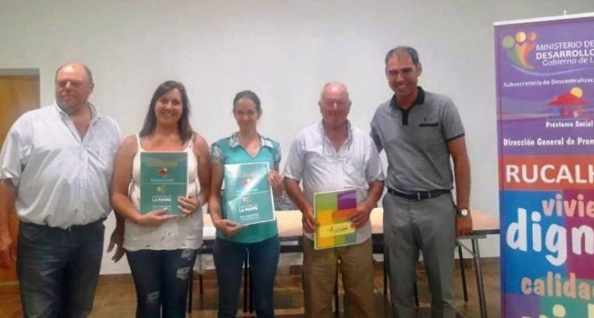 Entregaron créditos Rucalhué en Santa Teresa y Rolón