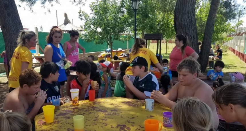 Jornada recreativa en colonia de vacaciones