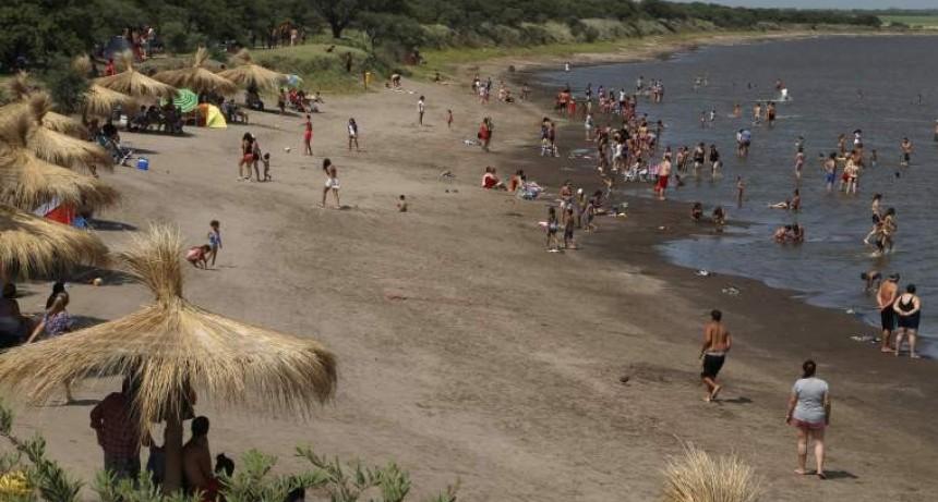 Récord de turistas en la laguna de Uriburu