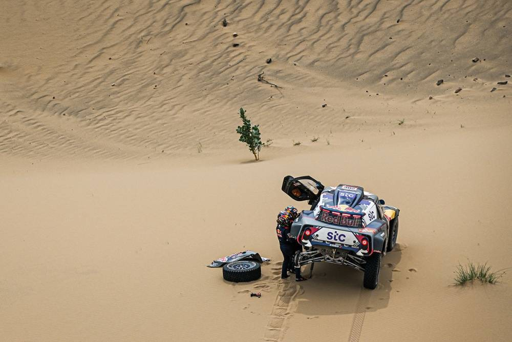 Nasser gana la etapa, pero Peterhansel ya saborea la carrera