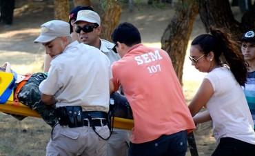 Gravísimo vuelco con tres heridos frente al club de golf