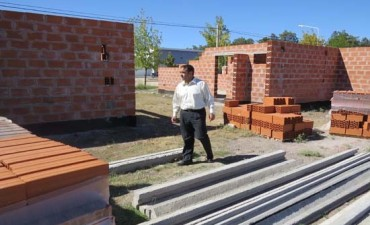 EL INTENDENTE CR. FACUNDO CASTELLI RECORRIÓ OBRAS EN DARREGUEIRA