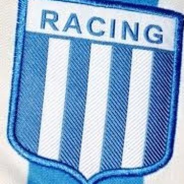 Racing se llevó una victoria muy importante de Perú