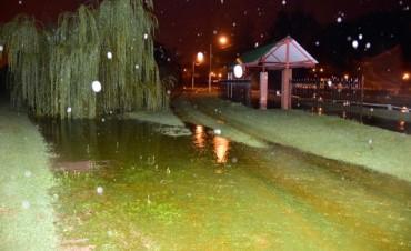 Comienza a desbordar la Laguna Don Tomás