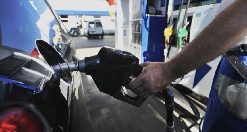 Cómo es el nuevo impuesto a los combustibles