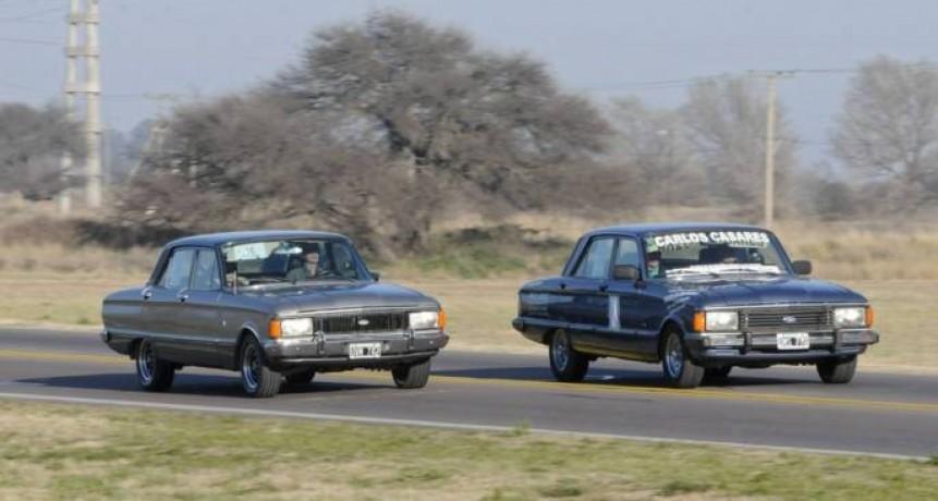 Medio centenar de autos antiguos en La Pampa