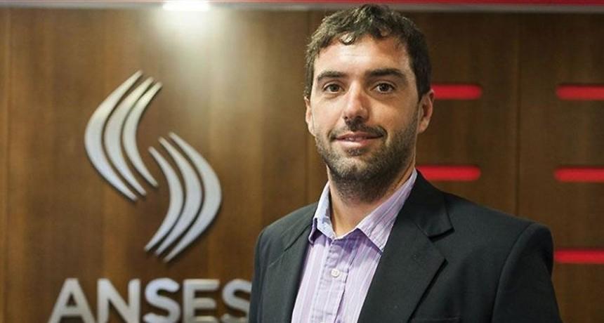 El titular de la Anses, Emilio Basabilbaso, aseguró que ya se cerró la liquidación de este mes, por lo que la diferencia se pagará a mediados de mes. También suben 46% las asignaciones por Embarazo y Discapacidad