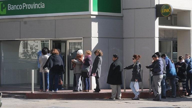 Desde abril los cajeros dejarán de ser gratis para todas las operaciones: se volverá al régimen anterior a la pandemia
