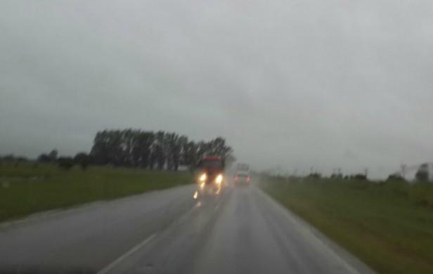 Volvió la lluvia a Córdoba y rige alerta para el interior