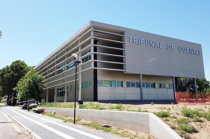 El Tribunal de Cuentas de La Pampa informó este jueves que semanas tras semanas aparecen nuevas facturas truchas en cinco comisiones de fomento.