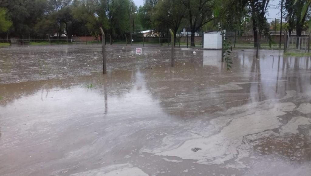 Temporal en Santa Rosa: evacuaron a dos familias