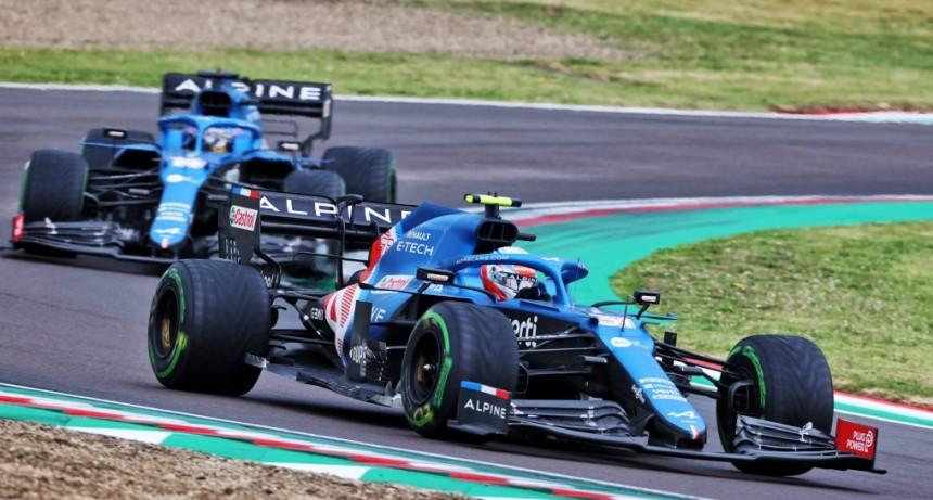 Verstappen venció a Hamilton en una carrera emocionante