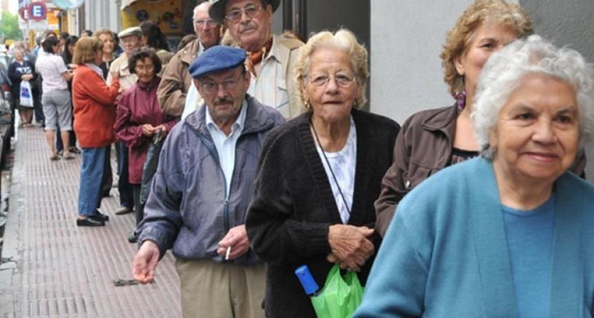 Las jubilaciones y la AUH aumentarán un 5,7% en junio y 6,7% en septiembre