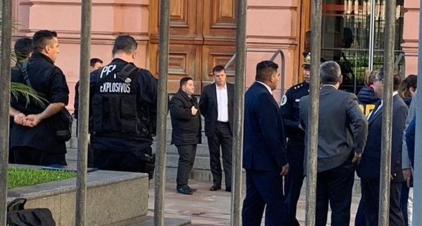 Detuvieron en Casa Rosada a un hombre armado que quiso ingresar a ver al Presidente