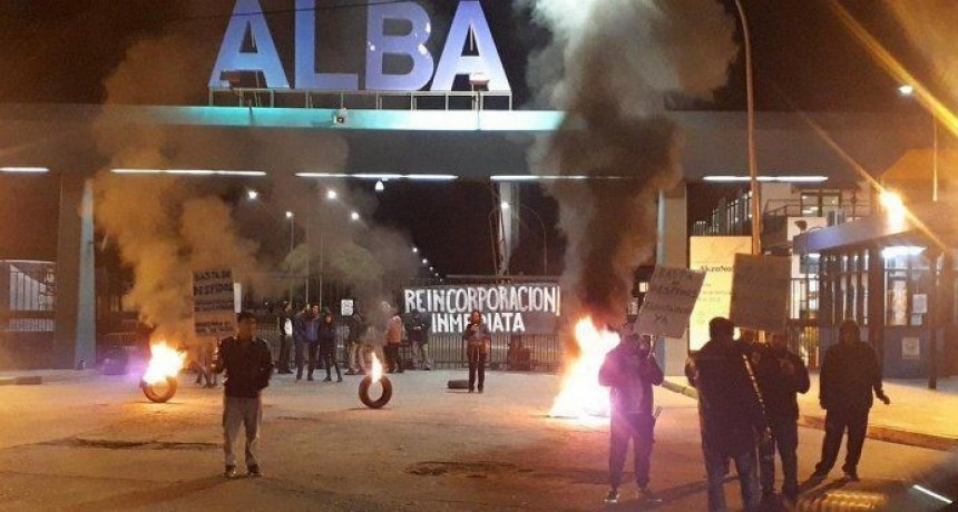 Trabajadores de ALBA denunciaron 30 despidos