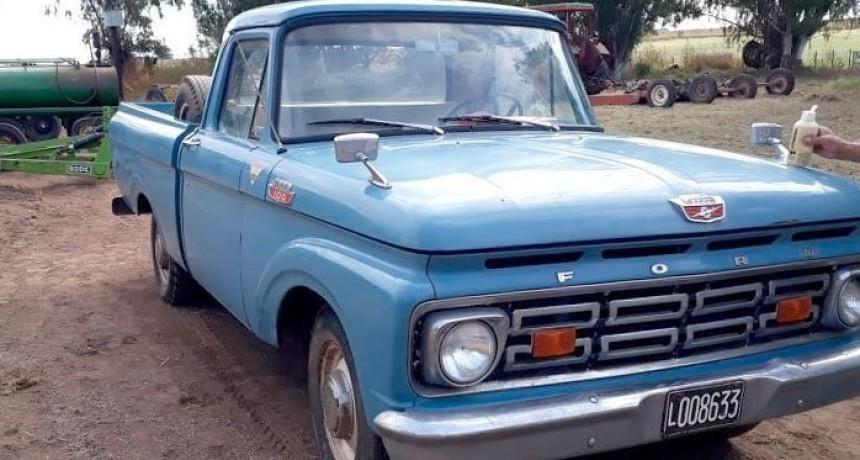 Pagaron 520.000 pesos por una camioneta antigua