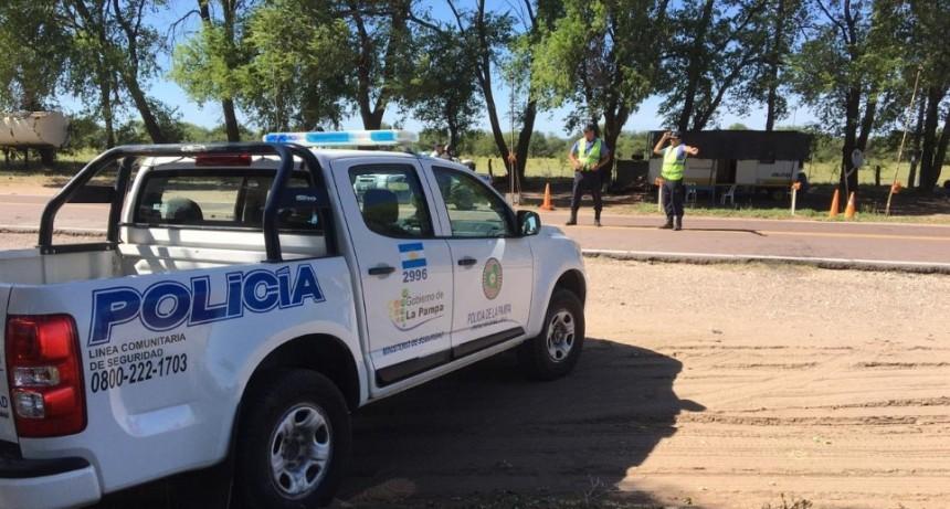 DESAFORADA: ESCAPÓ DE LA POLICÍA POR 50 KM Y ELUDIÓ DOS CONTROLES EN LA RUTA 35