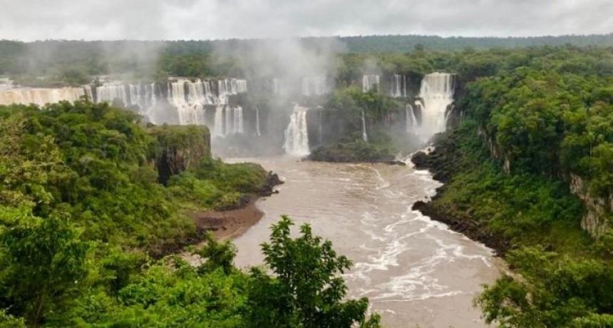 Cataratas del Iguazú con caudal casi normal este domingo