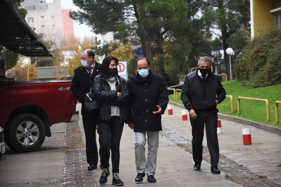 Falsa alarma: detonaron el paquete y no había bomba en Casa de Gobierno
