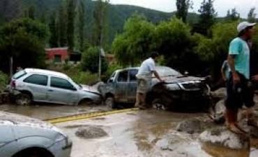 Alud en Bariloche: arrasó con aerosillas y hay rutas cortadas