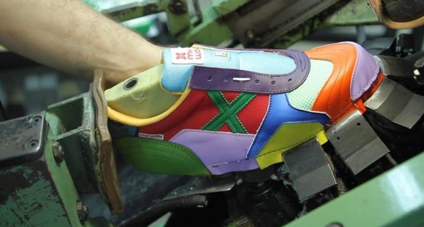 Molestia de fabricantes de calzados por apertura de las importaciones