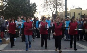 Carrera de Mozos y Camareras en la Plaza San Martín