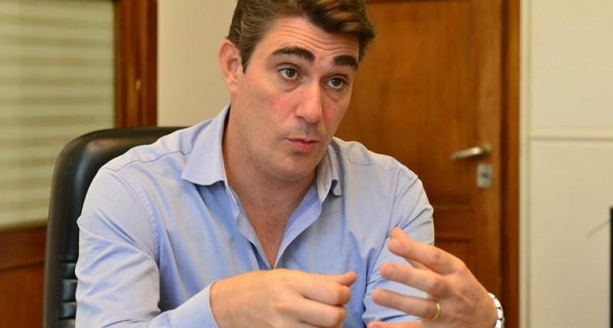El ministro de Energía Javier Iguacel anunció los incrementos.