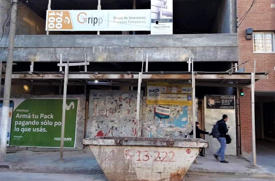 Una financiera, que construía un edificio en Santa Rosa, pidió el concurso de acreedores