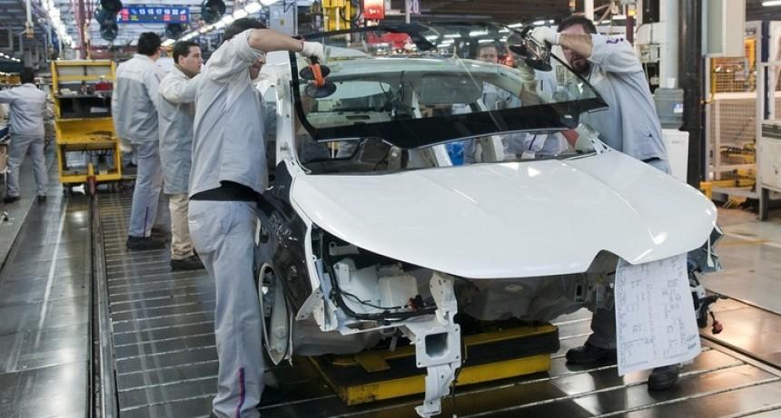 El impacto de la cuarentena: dos empresas dejan de fabricar pinturas para el sector automotor