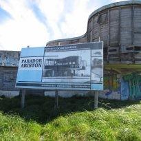 La Facultad de Arquitectura de la UBA contactó en 1947 con el conocido arquitecto húngaro Marcel Breuer  para proponerle la realización de un espacio social que revitalizara la zona sur de la ciudad de Mar del Plata