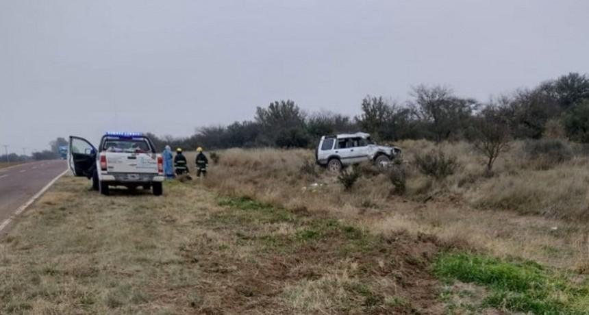 Vuelco fatal en cercanías de Acha