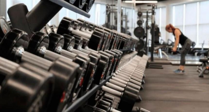 Se habilita el entrenamiento deportivo en espacios cerrados con ventilación