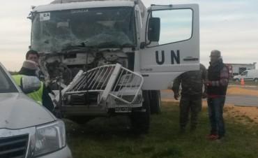 Choque entre camiones en cruce de rutas 1 y 14