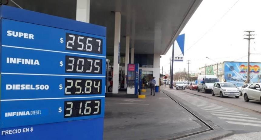 YPF volvió a aumentar: la nafta Infinia pasó los $30 en Santa Rosa