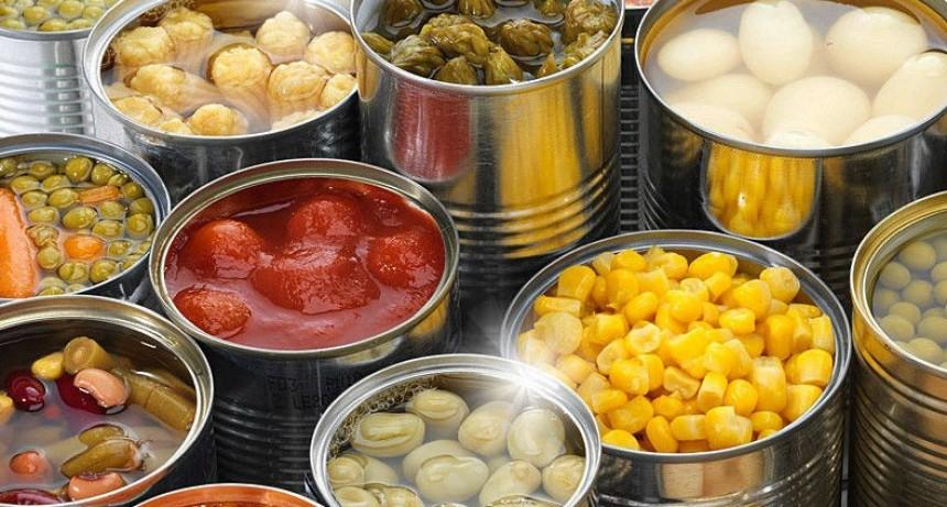 Descubrí las ventajas y los peligros de comer alimentos en lata