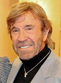 A los 79 años, Chuck Norris enfrenta su batalla más difícil