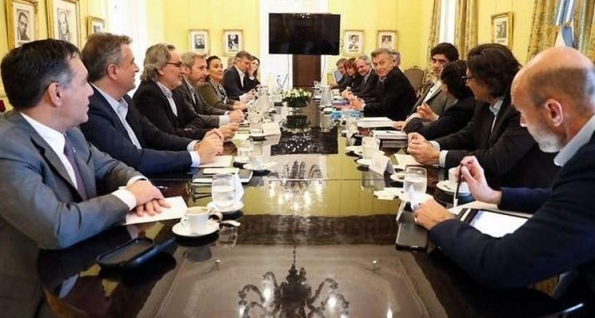 Macri y sus ministros también cobrarán el bono de 5 mil pesos