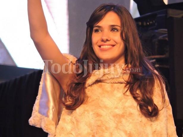 Mientras la jujeña Valentina Oller se consagró Reina Nacional de los Estudiantes 2015