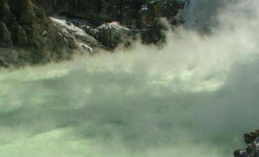 """Detectan """"pequeñas explosiones"""" en el volcán Copahue"""
