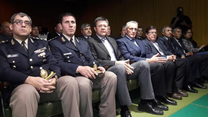 Entrega de anillos a personal policial