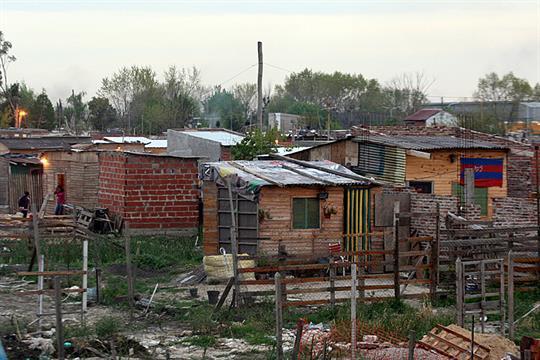 PLANES SOCIALES, HISTORIA Y PRESENTE EN ARGENTINA