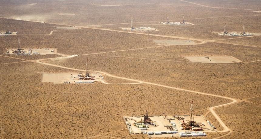 Denuncian la suspensión de mil trabajadores petroleros en Vaca Muerta
