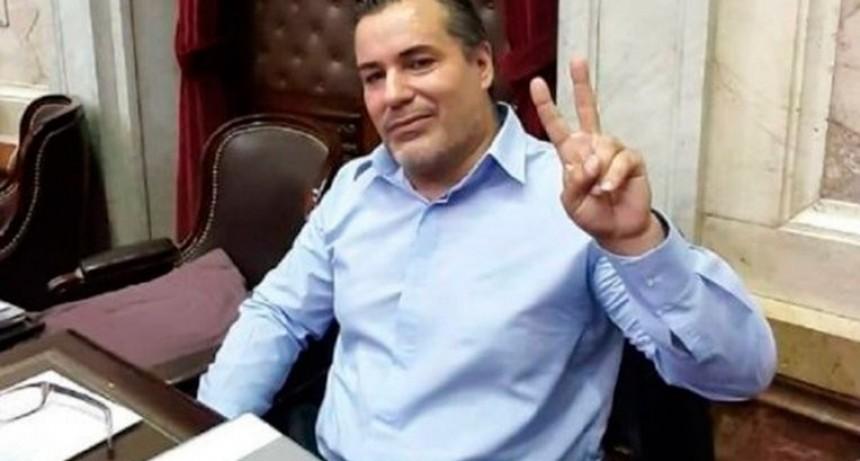 Quién es Juan Ameri, el diputado suspendido por protagonizar un escándalo erótico en plena sesión